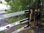 ES 1000H gate opener on a 3 rail gate